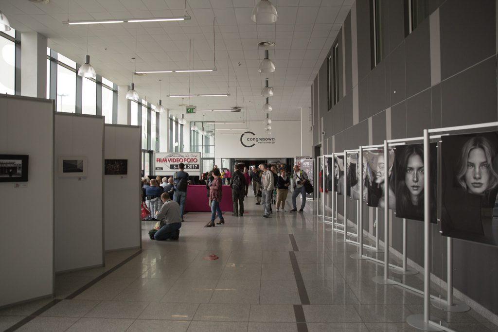 Film Video Foto Łódź – umarł król, niechżyje król? 21
